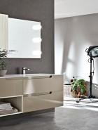 ארון אמבטיה בצבע