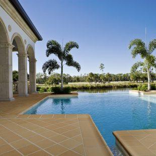 exterior piscina rubi